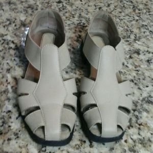 I love comfort   sandals